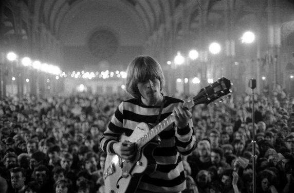 http://themusicsover.files.wordpress.com/2008/07/brianjones.jpg